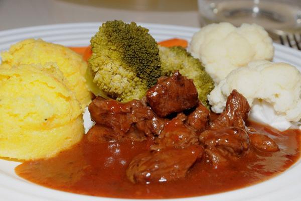 Gepökeltes Fleisch Kochen : rezept fleisch ragout ~ Lizthompson.info Haus und Dekorationen